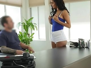 Enticing Brazilian Female Spreads Gams For A Man To Receive A Loan