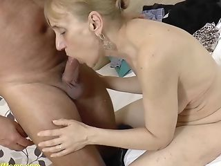 Gross 84 Years Old Mom Deep Fucked