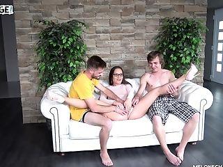 Wendy Moon Makes One Boy Jism Prematurely In One Minute