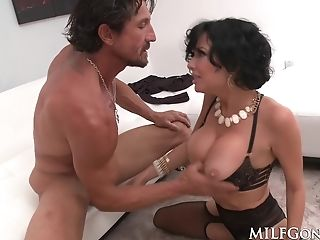 Veronica Avluv Fucks Tommy Gunn In Her Underwear