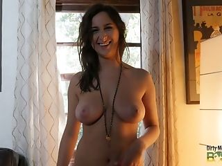 Sweet Stunner Ashley Adams Exposes Fantastic Big Boobies Sans Hesitation