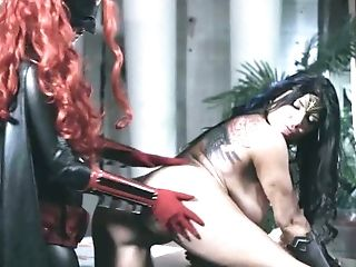 Justice League Parody Pornography With Wonder Woman And Bat Woman
