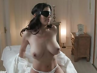 Big-chested Brown-haired Gabriela Lopez Pleasing A Big Penis Of Her Rubdown Therapist