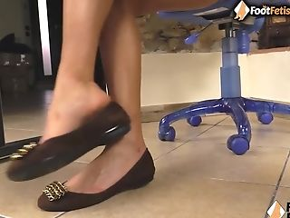 Bootless Dark Haired Puts Her Lengthy Feet Right In Your Face