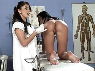 Pretty And Horny Lea Lexis Gets Her Cunt Pleased By A Girl-on-girl Medic