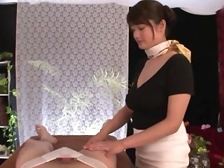 Suhara Nozomi Gets Her Vag Pounded By A Stranger After Calming Rubdown