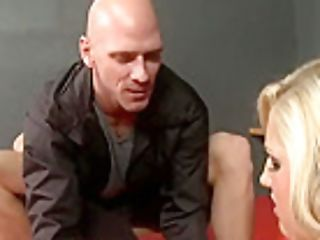 Dazzling Breasty Dayna Vendetta Is Having A Hard Anal Intercourse