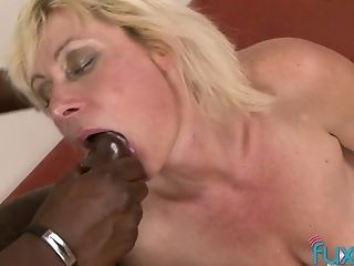Chunky And Voracious Cougar Is Ready To Take Lengthy Big Black Cock Into Her Bunghole