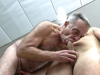 Free gay blow job photo