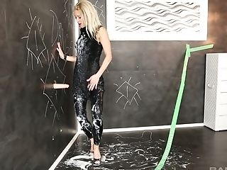 Messy Glory Fuckhole Kink Session With A Blonde Honey In Leather Pants