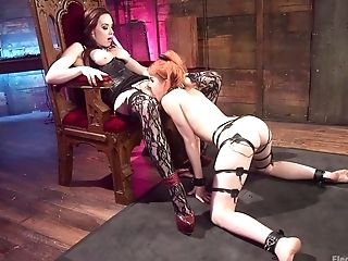 Amarna Miller Gets Her Raw Labia Pleased By Her Friend's Big Wand