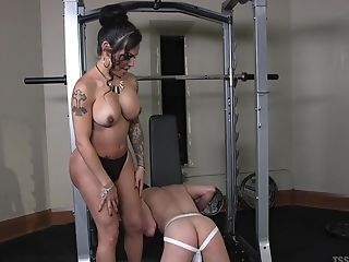 Transsexual Foxxy Loves The Best Caboose Fuck At The Gym With Her Horny Friend