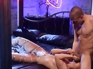 Stunning Stripper Is Being Aggressively Fucked By A Lucky Customer