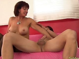 A Lengthy Hard Lollipop Is Just What Matures Vanessa Videl Has Been Longing
