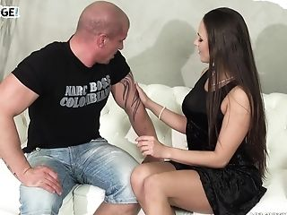 Buxomy Dark-haired Mea Melone Drinks Spunk After A Gonzo Vagina Fuck