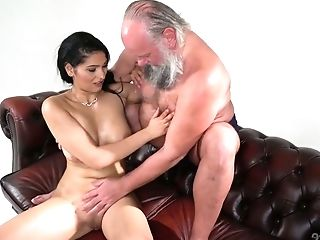 Old Fart Luvs Fucking Eye Catching Seductress With Natural Bra-stuffers Ava Black