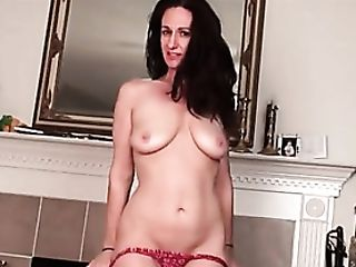 Mummy Genevieve Crest Works Out And Strips