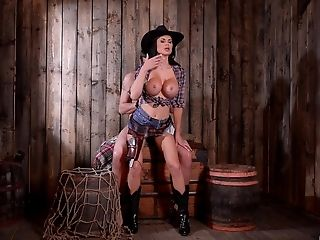 Big-titted Plastic Raunchy Mummy Jasmine Jae Punctured By A Big Dick In A Barn