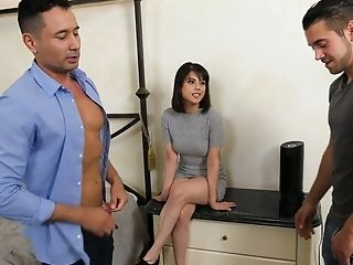Amazing Latina Nymphomaniac Penelope Reed Attempts Out Some Truly Steamy Mmf Threesome