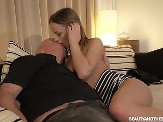 Anna G Seduced And Pounded Xxx By An Older Stud At His Building