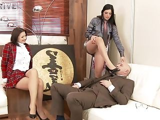 4some Fucking In The Office With Anna Polina And Cecilia De Lys