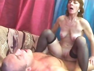 Excellent Old Bitch Is Having Joy With Herself Before Vag Wrecking