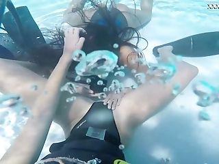 Wild Underwater Scuba Diving Joy With A Voracious Girl-on-girl Vodichkina