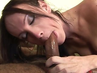 Shemale Leticia Close Fucked Up Her Nice Anal Invasion Crevice