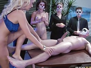 Blonde Darling Courtney Taylor Fucked In The Office By Two Guys