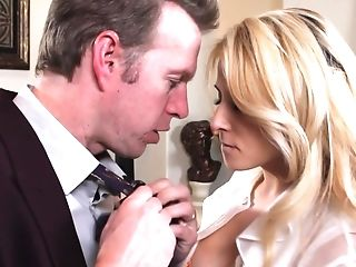 Horny Wifey Madison Ivy Wants To Make Her Paramour's Dick Stiff