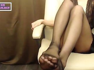 Footfetish Taunt In Black Pantyhose