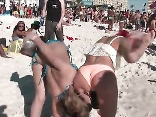 Honies At A Active Beach Jiggle Their Bums