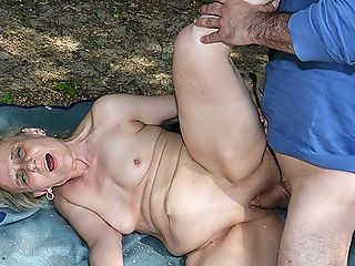 Outdoor Hookup For 85 Years Old Mom