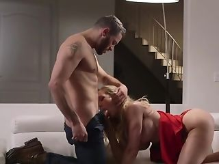 Brandi Love Is A Lonely Woman Who Needs Some Love Of Damon Dice