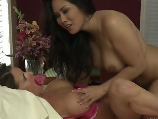 Chesty Matures Sapphic Interracial Threesome With Veronica Avluv