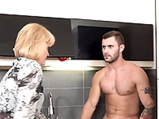 Matures Lady Eva Spreads Her Gams For A Friend's Penis In The Kitchen