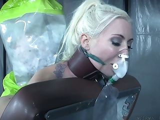 Horn-mad Blondie Lorelei Lee Gets To The Parallel World Where She Gets Fucked