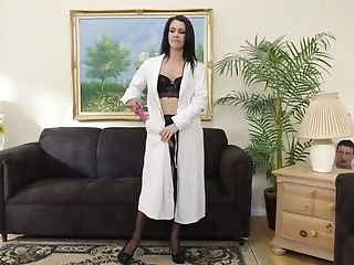 Decadent Dude Is Spying On Sexy Masturbating Black-haired Mummy Samia Duarte